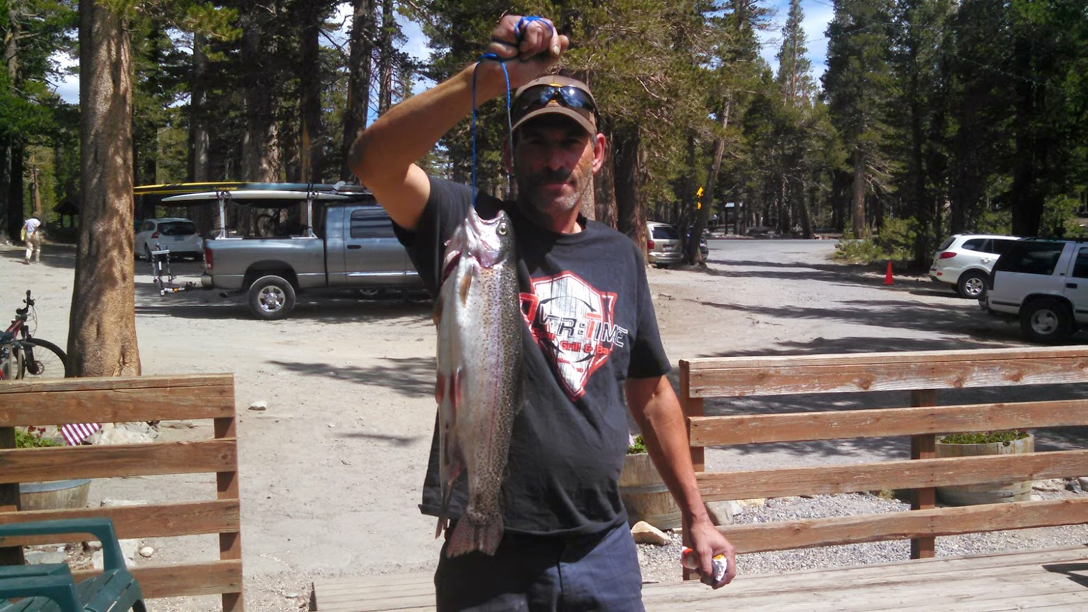 Mammoth lakes to stock most fish in california 100 000 for Oklahoma fishing license age